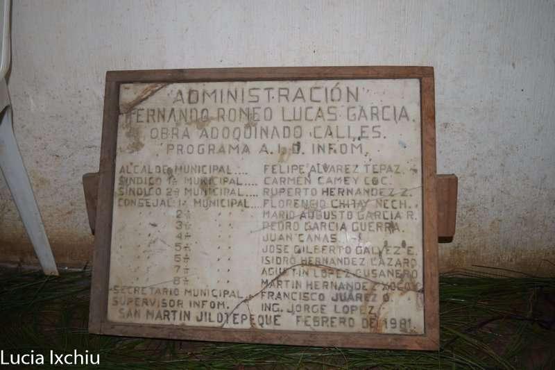 plaqueta-de-la-municipalidad-en-el-periodo-en-el-que-felipe-alvarez-fue-alcalde
