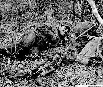 Foto: Rodrigo Moya. Publicada en la revista Sucesos con fotos sobre la guerrilla guatemalteca. 1966
