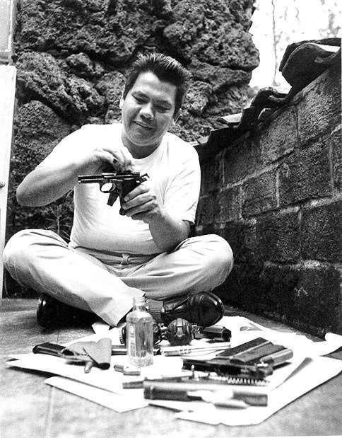 """Foto: Rodrigo Moya. """"El guerrillero Yon Sosa en 1967"""""""